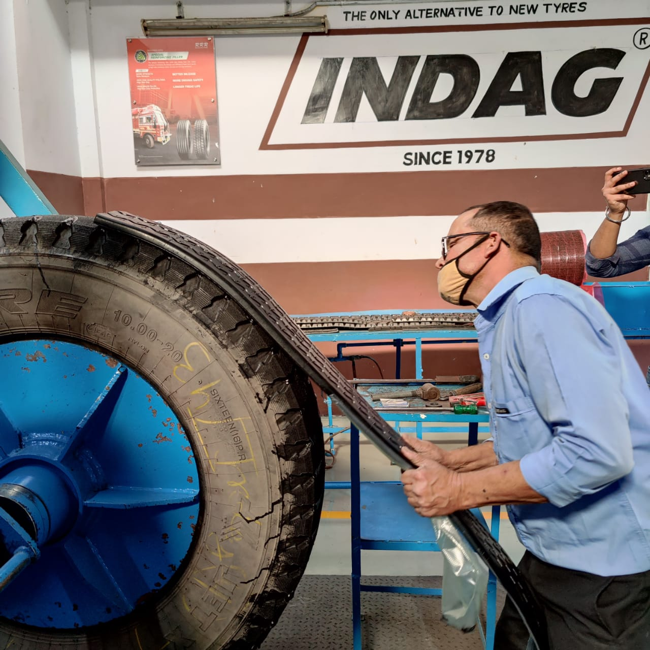 Retreading Process Tyre Building